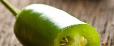 Grüne aufgeschnittene Jalapenos Schote