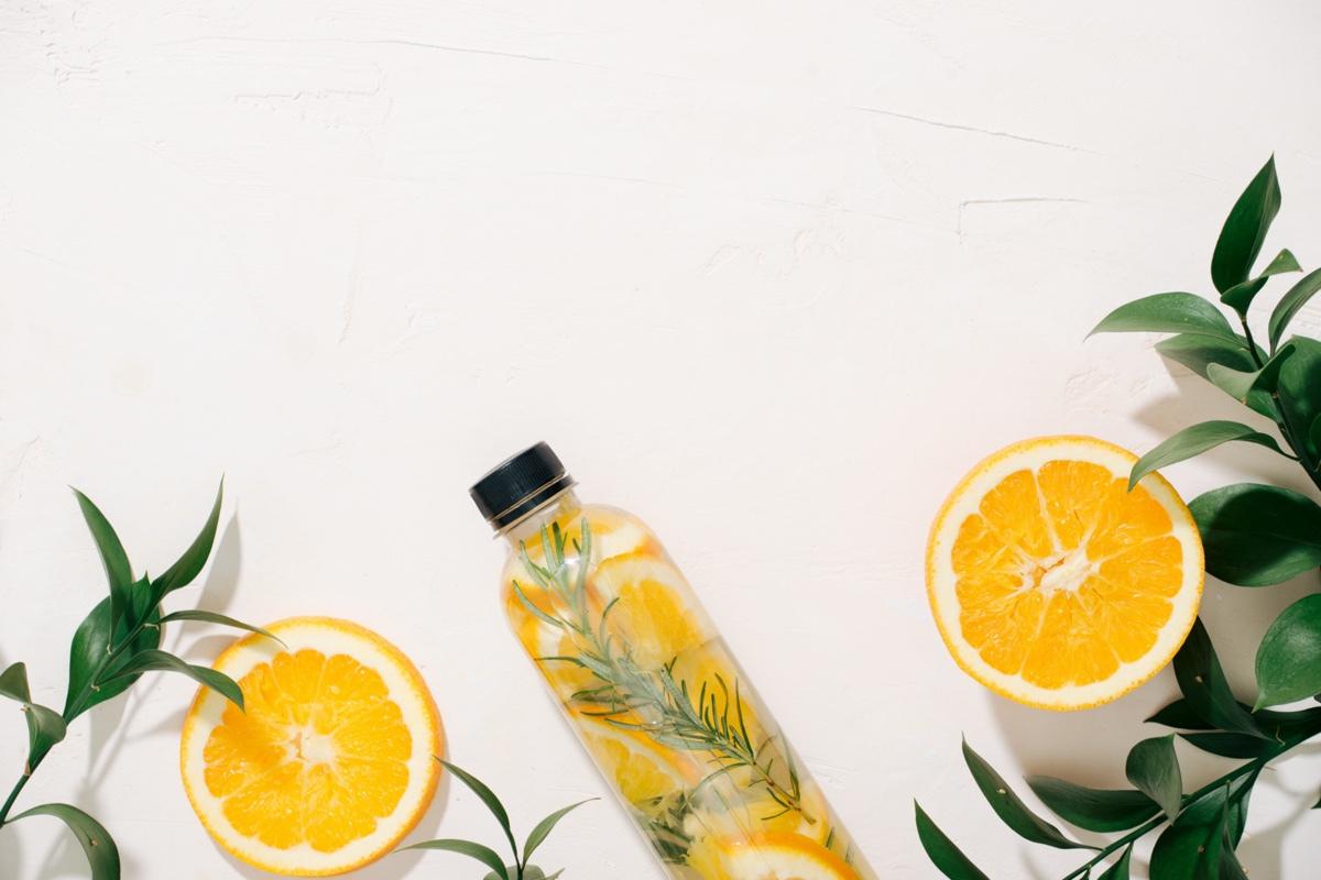 Das Saugen von Zitrone hilft Ihnen beim Abnehmen auf Englisch