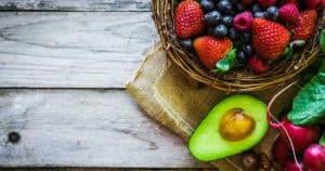 Clean Eating Lebensmittel auf dem Tisch