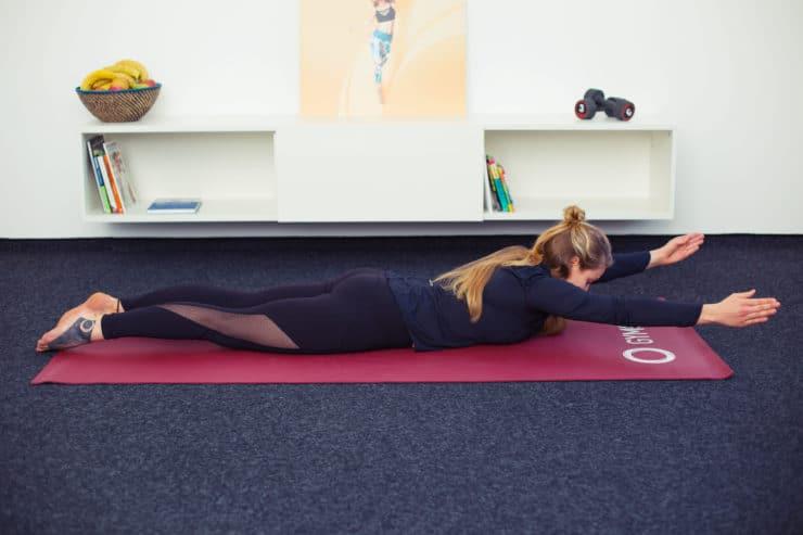 Nie mehr Rückenschmerzen - 5 leichte Übungen für zu Hause..