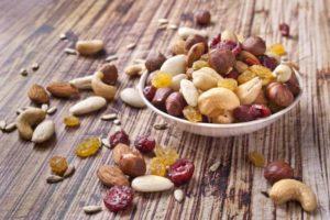 Leider wenig gesund: Trockenfrüchte und Nüsse