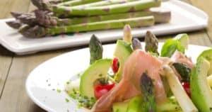 spargel mit avocado und Schinken